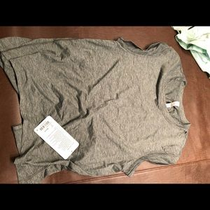 Box it out tee size 2 NWT